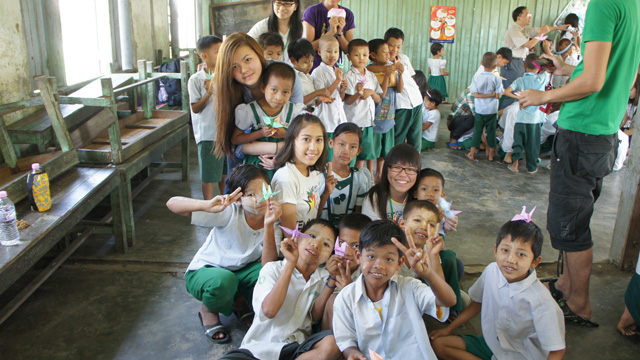 Students of Wu Yee Sun College on a service trip to visit schools in Myanmar