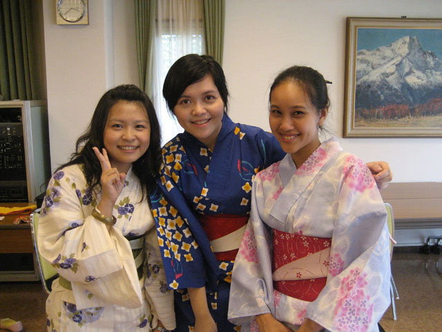 20th Anniversary of CUHK Department of Japanese Studies<br><br>Miss Kitty Chung (middle), a 2009 graduate, thanks the Department of Japanese Studies for giving her the opportunity to broaden her horizon