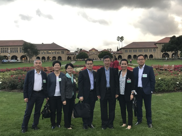 Dr. Fung Hong (3rd right), Prof. Justin C.Y. Wu (1st right) and CUHKMC staff visit Standford Hospital