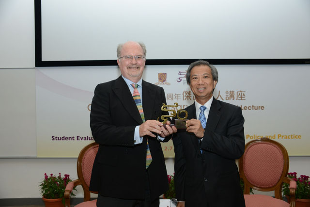 The University's 50th Anniversary Distinguished Lecture: Prof. Herbert Marsh<br><br>Prof. Herbert W. Marsh, Professor, Department of Education, University of Oxford, presented a lecture on 'Student Evaluation of University Teaching: Recommendation for Policy and Practice' on 2 July. Prof. Alvin Leung, Dean, Faculty of Education <em>(right)</em> presents a CUHK 50th anniversary souvenir to Prof. Marsh