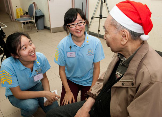 Members of the S H Ho Volunteer Service Team made sure that the comfort and joy of the season would be shared by visiting the residents at the SAGE Madam Ho Sin Hang Home for the Elderly shortly before Christmas.